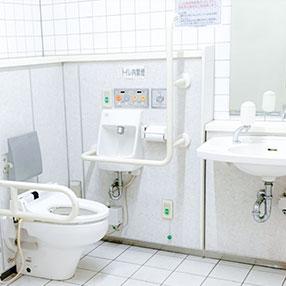 トイレは2F。車椅子でもOKです。
